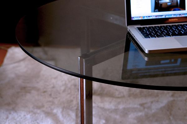 s_table.jpg